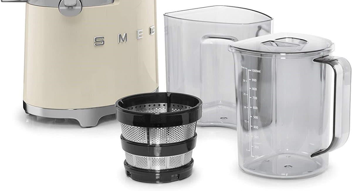 Filtro y recipientes de la Licuadora Smeg de prensado en frío
